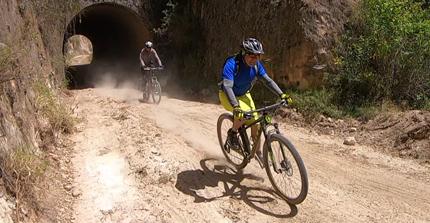 mountain-biking-b2c